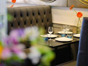 banquette-seating